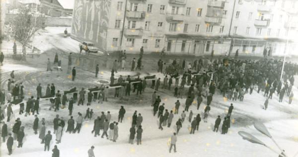 03_Урус-Мартан, процессия с останками жертв 1944 года