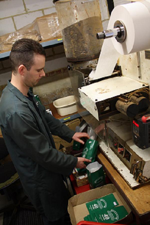 Kent Teabag-making machine in action