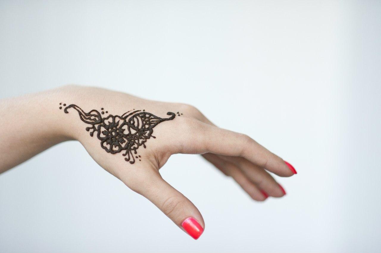 Красивые рисунки на руках своими руками