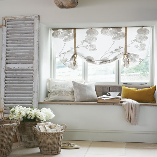 Cosy-French-style-bedroom