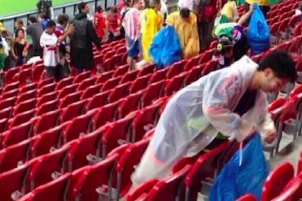 Японские болельщики удивили мир