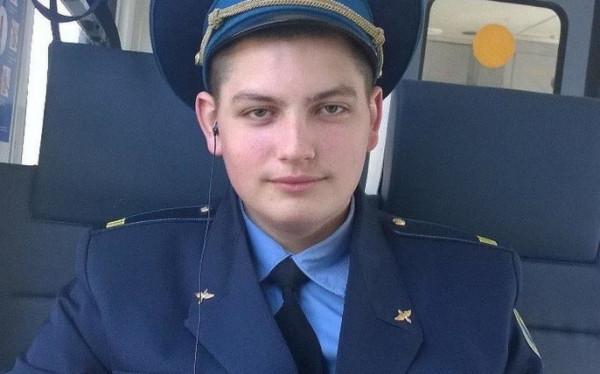 Моисеев Максим, бортпроводник. Погиб 5 мая 2019 спасая людей из горящего самолёта.jpg