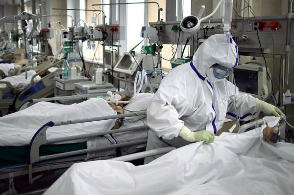 Кислород же, которым пытались спасать тяжёлых больных, просто выжигал лёгкие..jpg