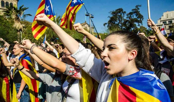 Catalonia-Secession-Supporters-Spain-News.jpg