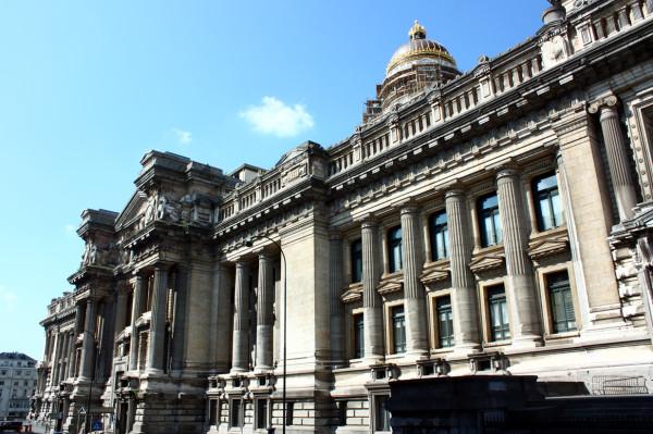 Дворец правосудия Брюссель.jpg