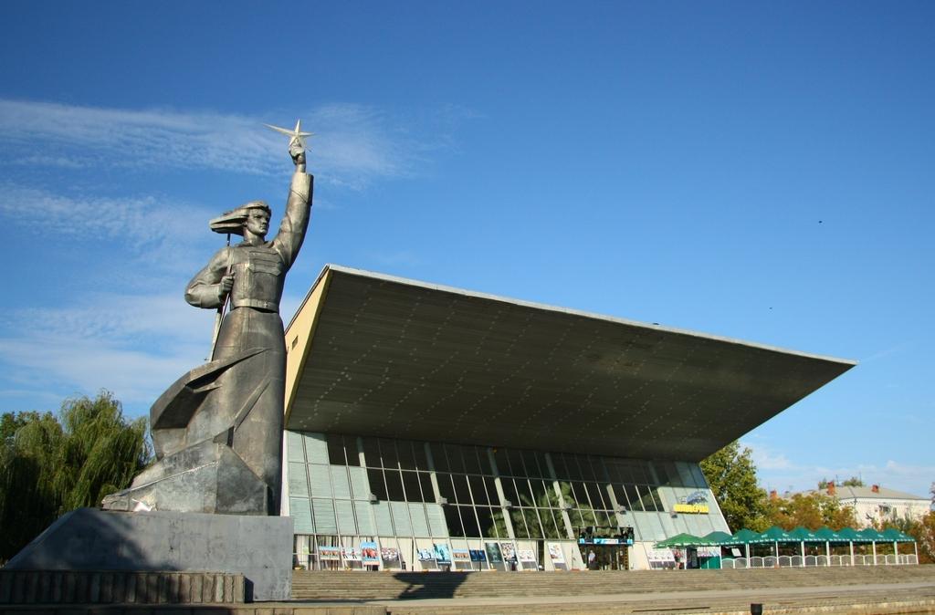 памятник в краснодаре фото на