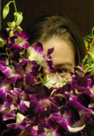 в орхидеях...