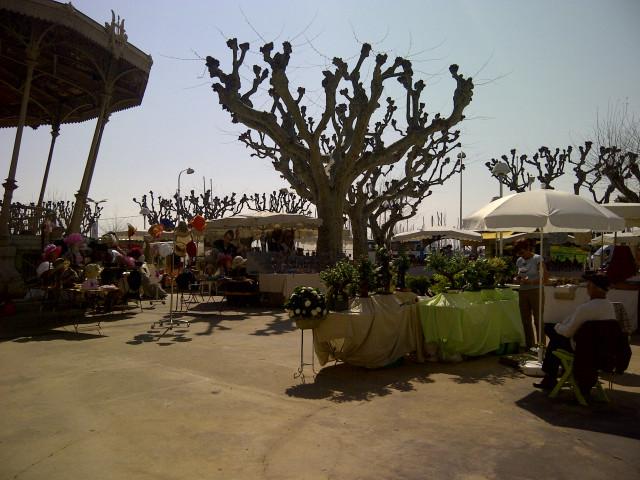 блошиный рынок в Каннах