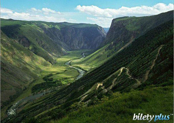 Долина в Алтайских горах, Россия