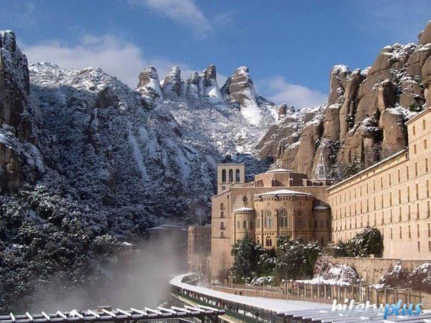 Зимний Монсеррат, Каталония, Испания