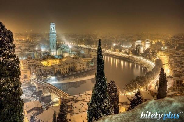 Романтическая зимняя Верона, Италия.