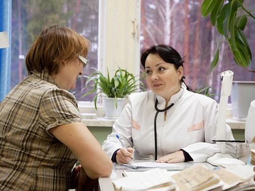 lori-0003445643-doctor_500x375