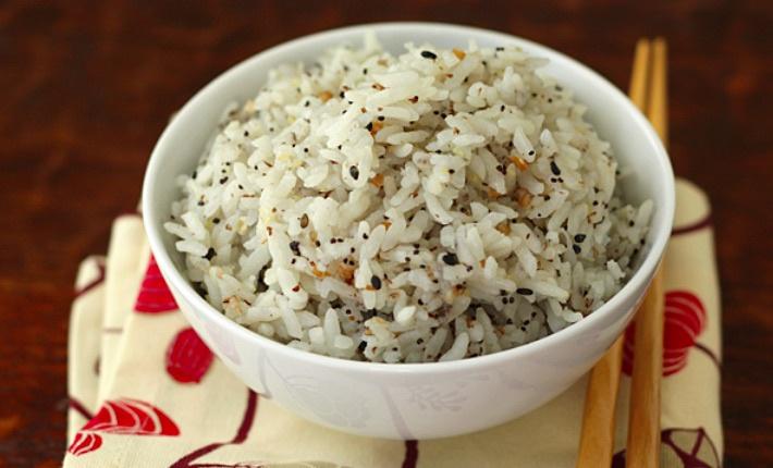 Неправильно приготовленный рис - серьезная угроза здоровью