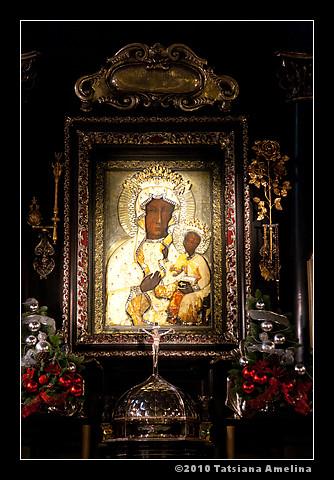 Чудотворная икона Божьей Матери Ченстаховской
