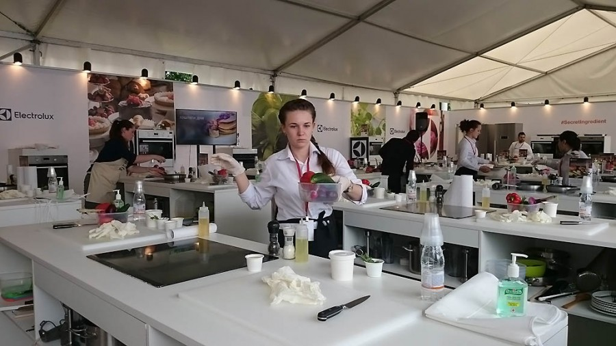 Команда Electrolux готовит павильон к мастер-классу