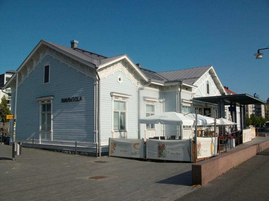 Вагон - музей на вокзале в Миккели