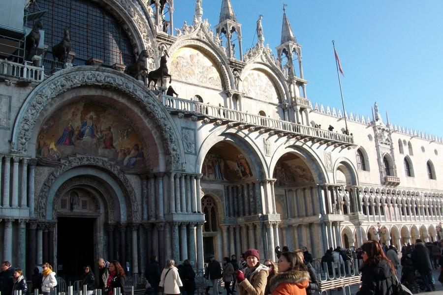 Собор Св. Марка в Венеции: утянули к себе все, даже Св. Марка )...