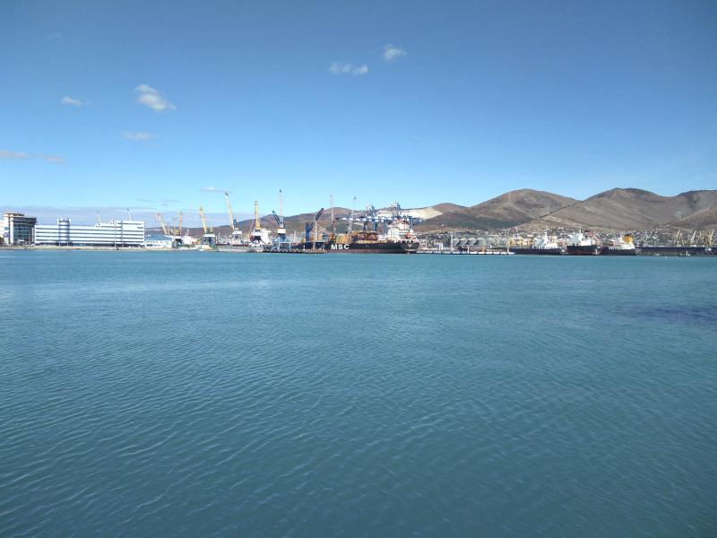 Грузовой порт Новороссийска