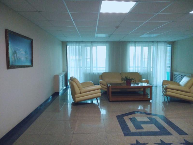 Холл этажа в гостинице Новороссийск