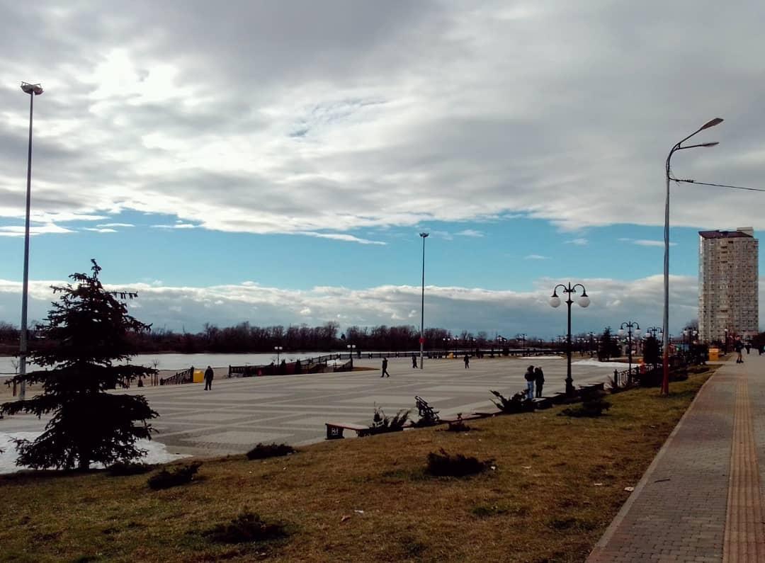 Набережная реки Кубани в Юбилейном районе Краснодара