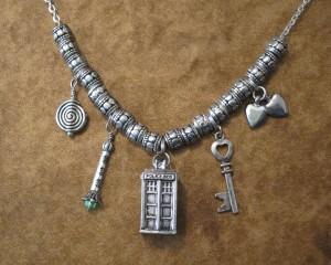 DW necklace IMG_5365 5x4