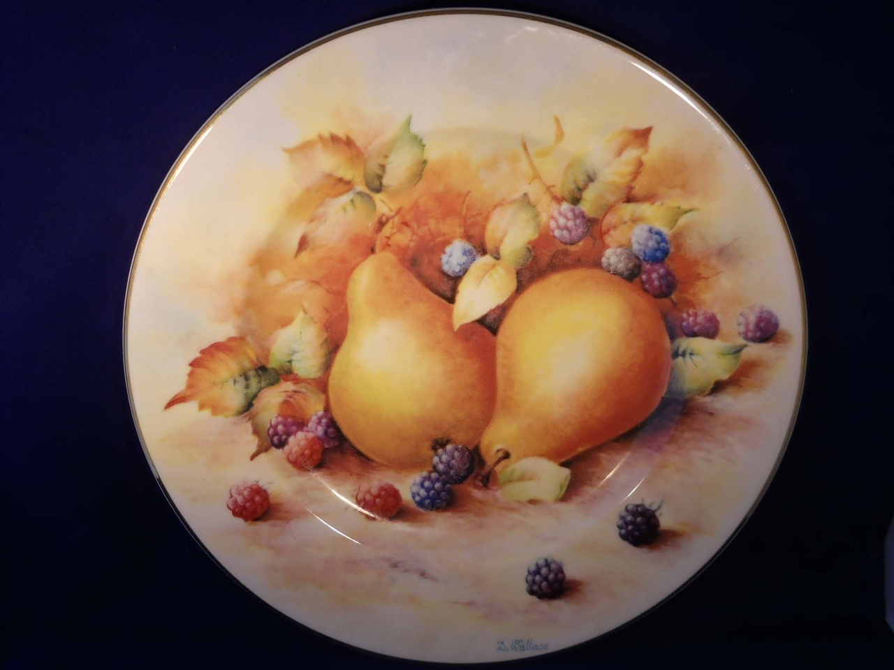 0002086_fenton_pear_decorative_plate_by_d_wallace