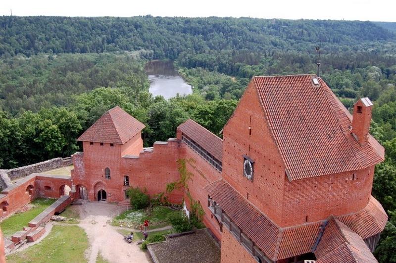 Турайдский замок, вид на р. Гауя