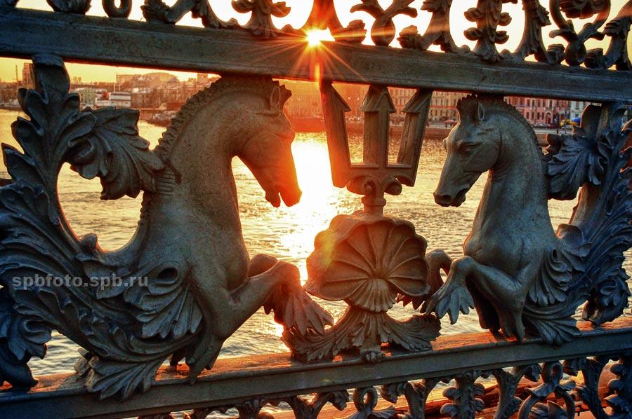 Ограда Благовещенского (Лейтенанта Шмидта) моста