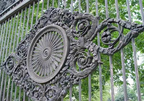 Решетка Казанского собора. Деталь