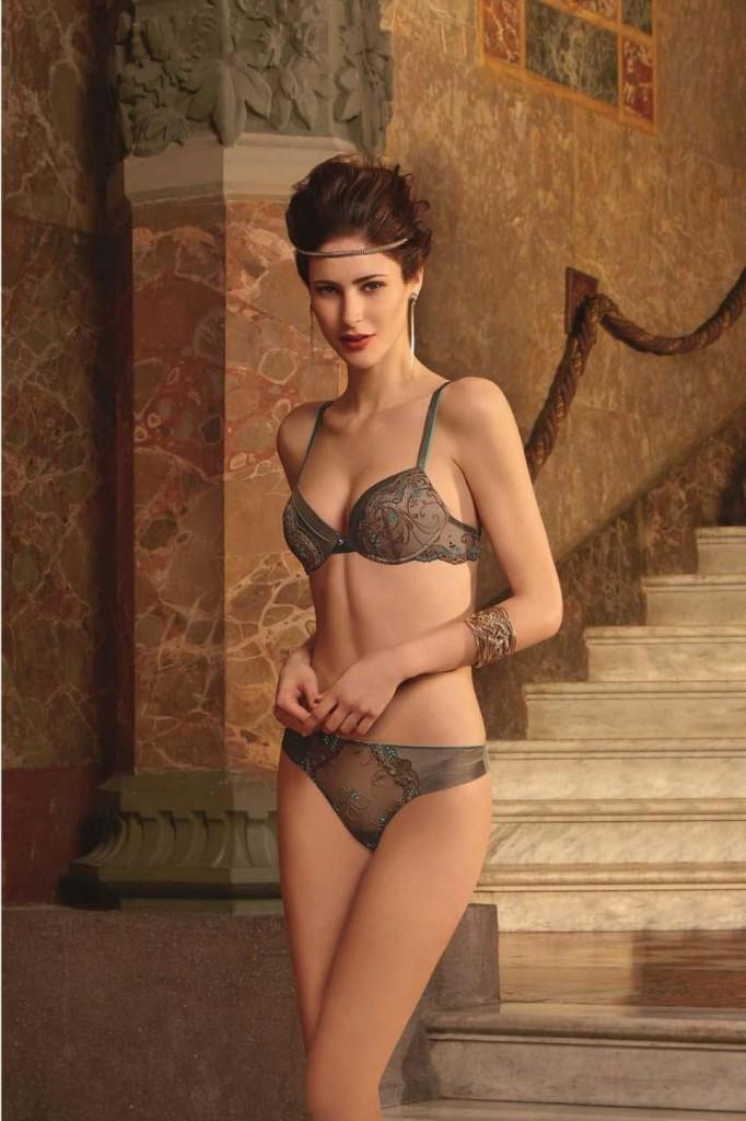 Maud-Le-Fort-Lise-Charmel-lingerie-16-682x1024