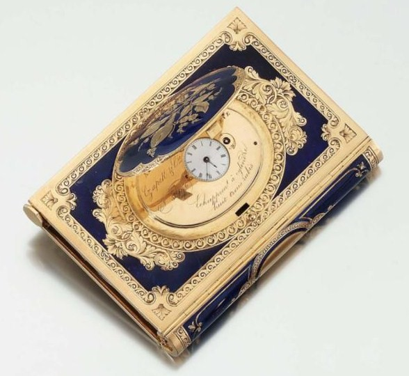 GOLD AND ENAMEL DANCE CARD WITH CONCEALED WATCH c850