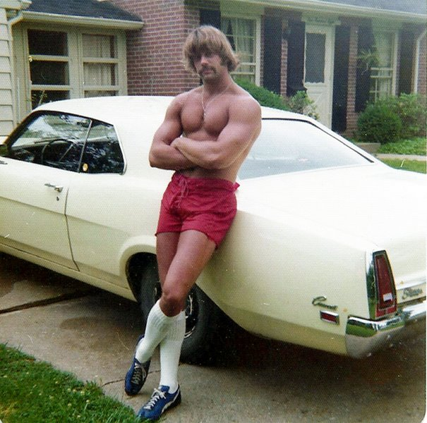 1970s-men-shorts-fashion-13-5923e31481148__605.jpg