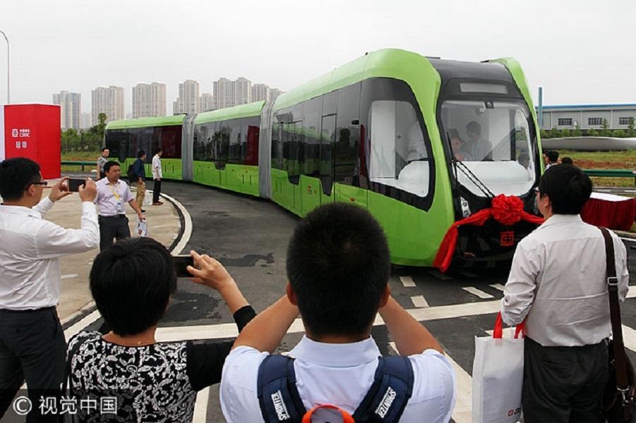 art-train-virtual-tracks-crrc-china-2 (1).jpg
