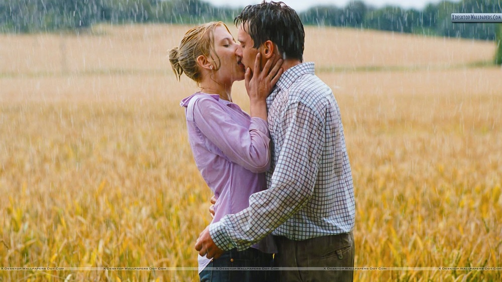Romantic-Couple-Kissing-In-Rain-6.jpg