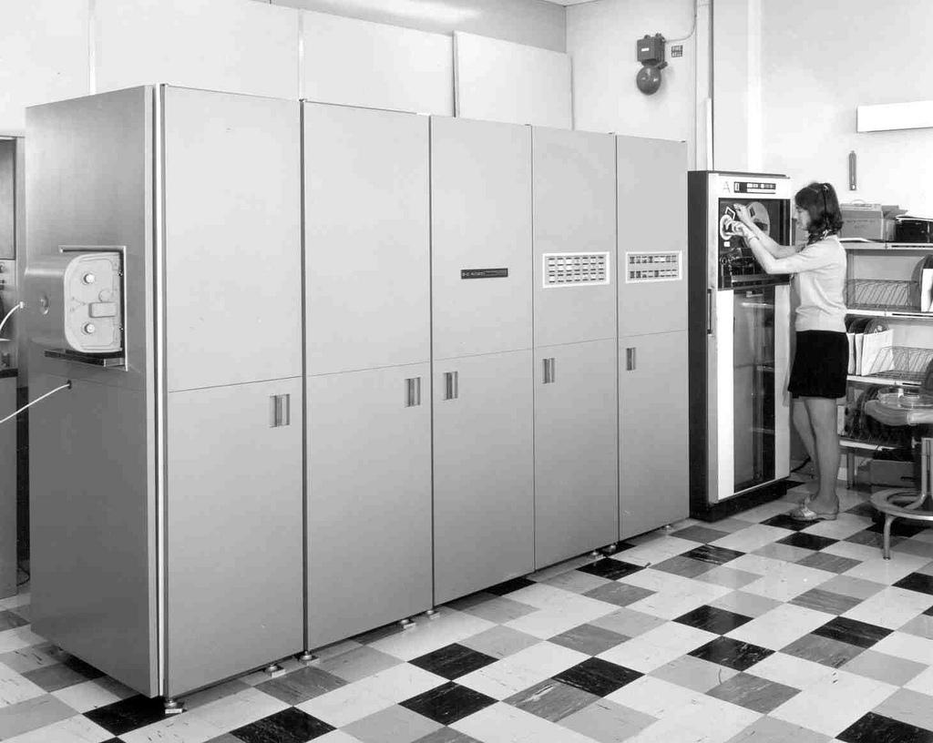 vintage-computers-3.jpg