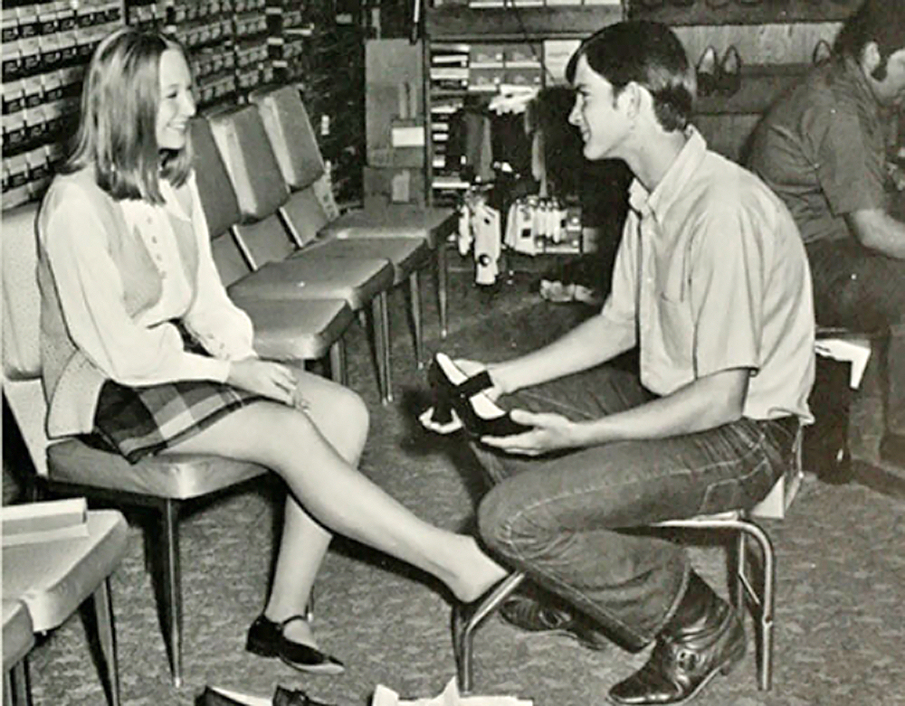 vintage-boy-and-girl-at-shoe-store.jpg