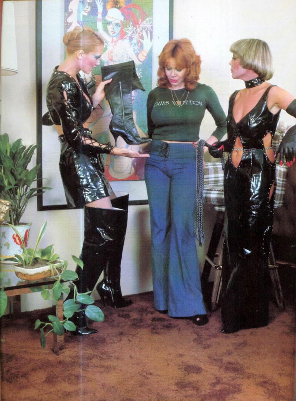 vintage-women-shoe-store.jpg
