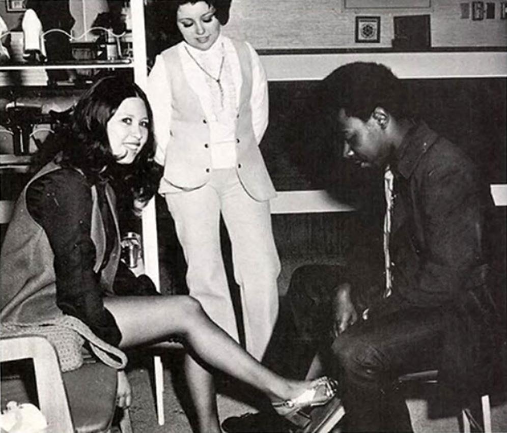 vintage-shoe-sales.jpg