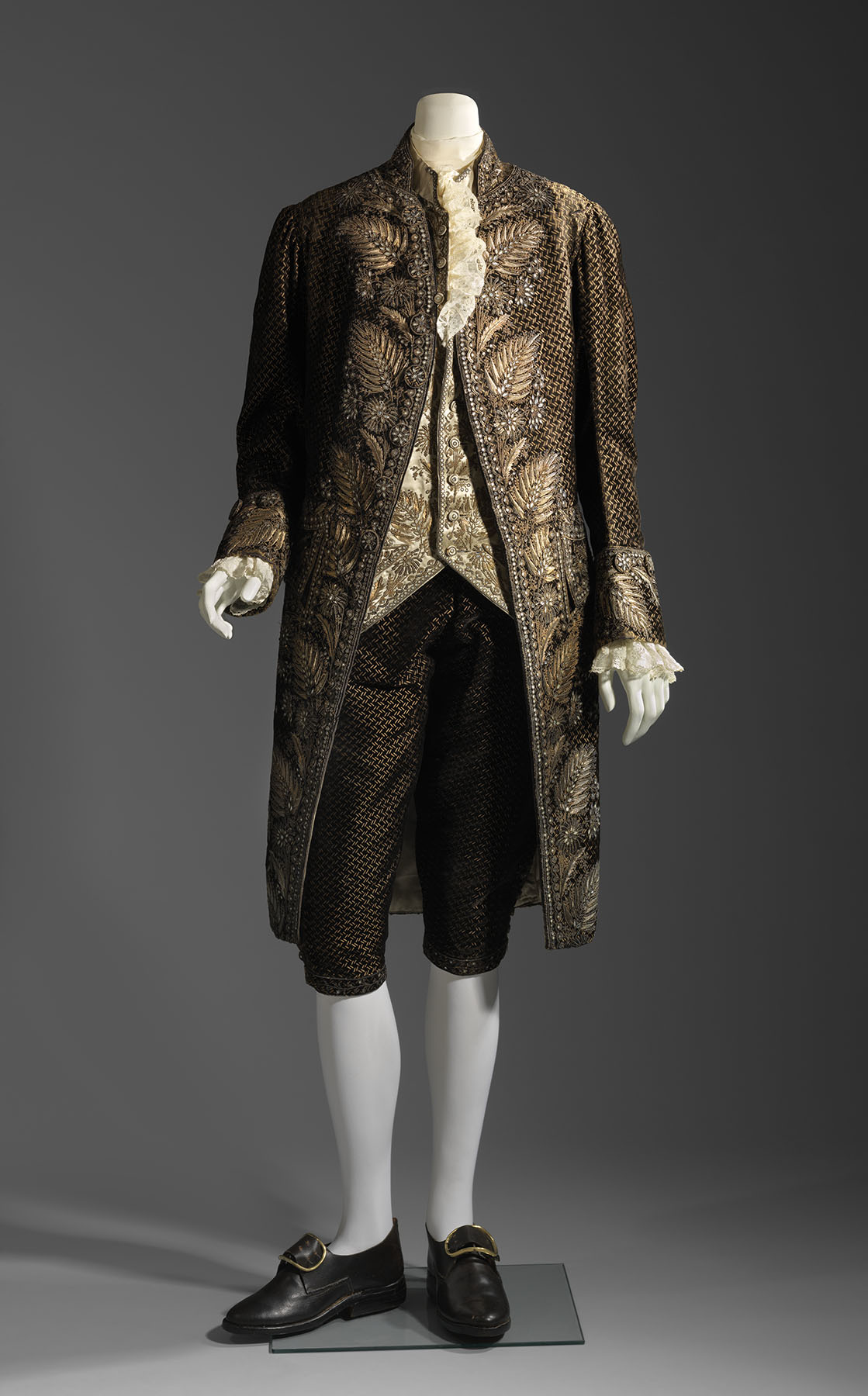French_MansCourtSuit.jpg