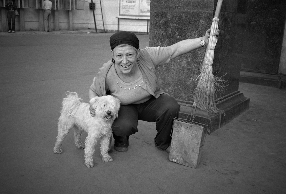019-MOSCOW-Street-cleaner-RGC-SMALL.jpg