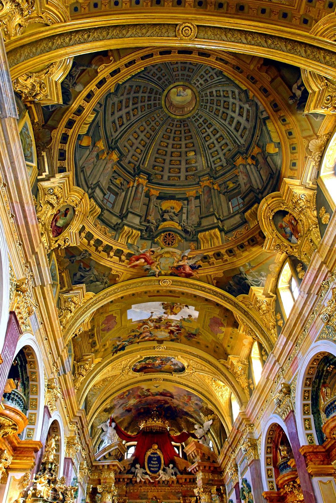 Pozzo-Jesuit_Church_Vienna.jpg