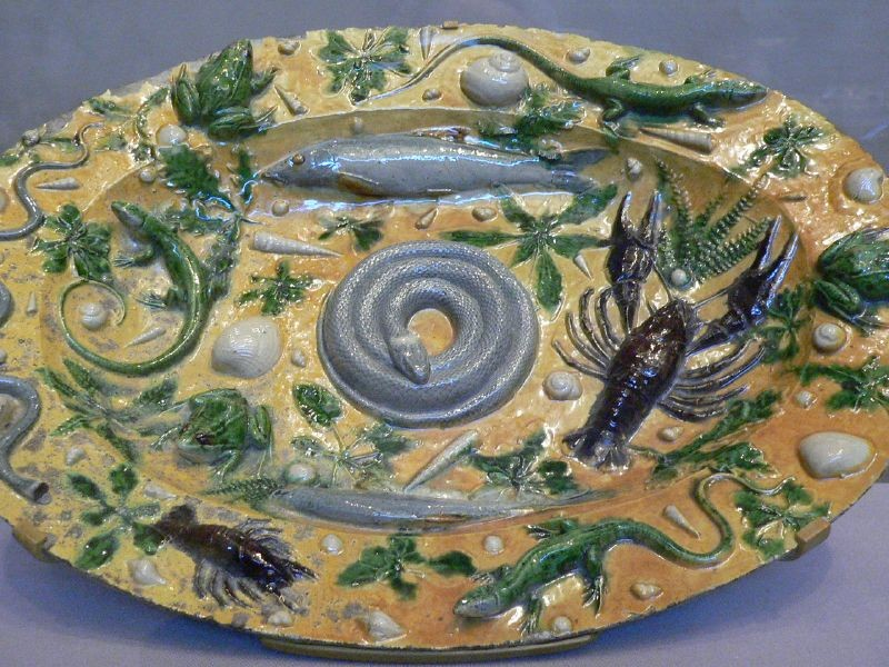 Palissy_rusticware_featuring_casts_of_sea_life_French_1550.jpg