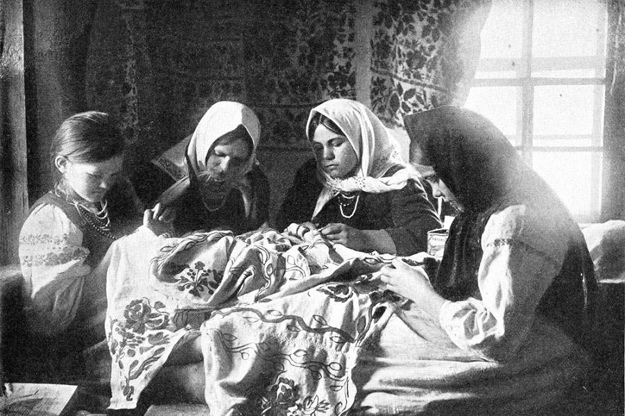 v-tulskih-drevnostyah-budut-uchit-tradicionnoy-vyshivke-28009.jpg