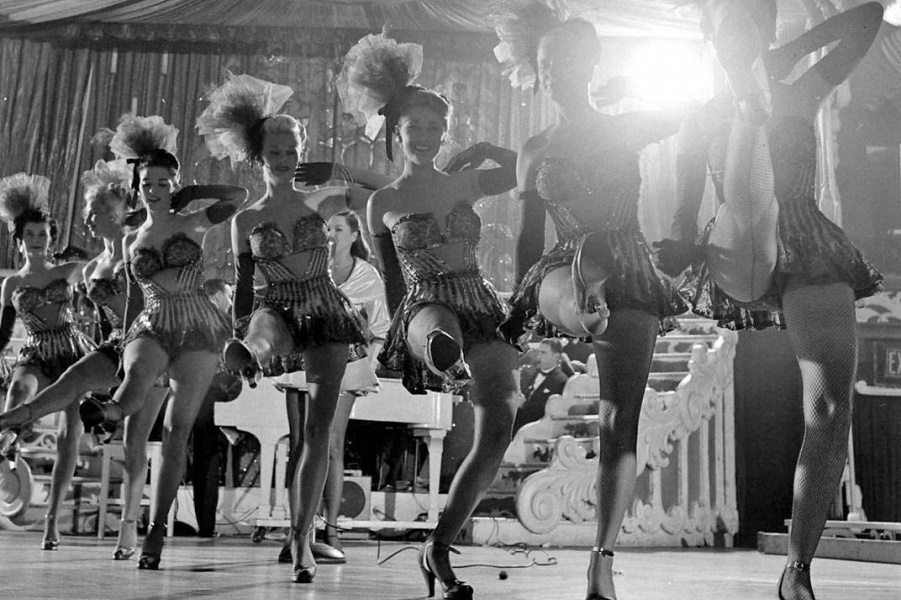 1949-Latin-Quarter-Chorus-Girls-1072x1024.jpg