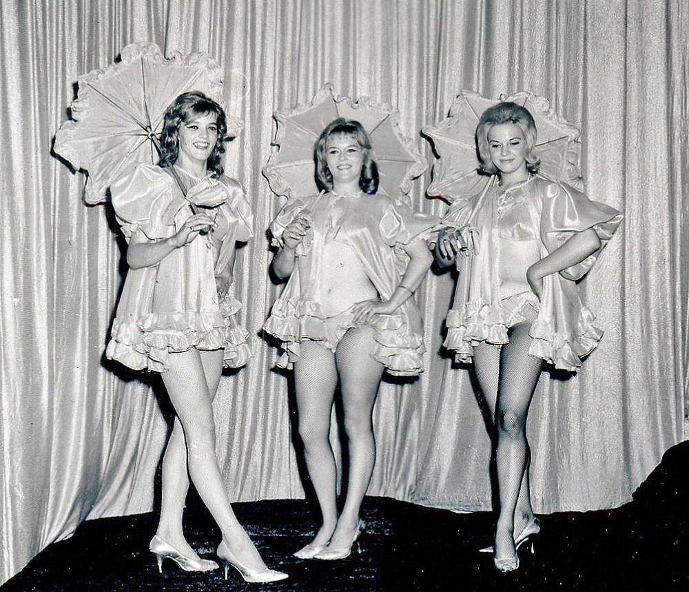 1960-Chorus-Girls.jpg