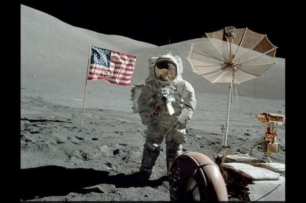 Без скафандра по Луне