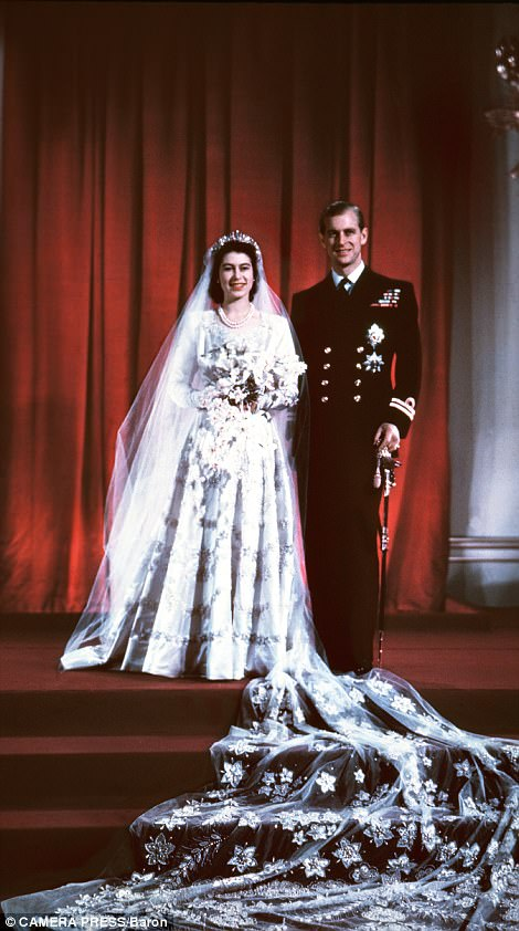 467C0FA000000578-5097389-On_their_wedding_day_70_years_ago_at_Buckingham_Palace-a-64_1511099245898.jpg