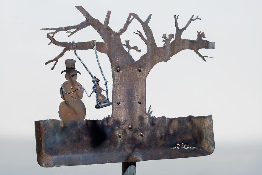 Snow-man-shovel-Swing-02-1400x933-59d42100e01db__880.jpg