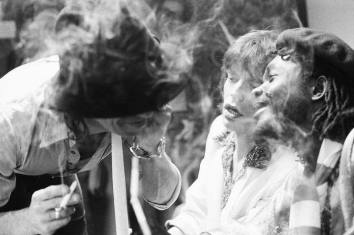 keith-richards-mick-jagger-and-peter-tosh-backstage-at-saturday-night-live-in-new-york-city-in-1978-photo-by-peter-simon-courtesy-of-rock-paper-photo.jpg