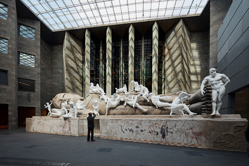 xu-zhen-eternity-buddha-national-gallery-victoria-designboom-04.jpg